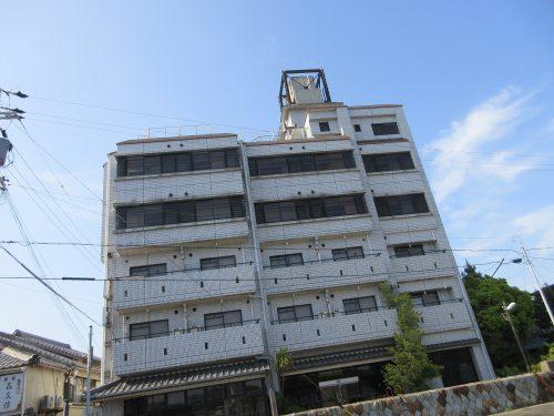 渡鹿野島廃旅館