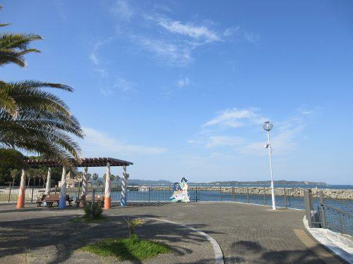 渡鹿野島海沿い